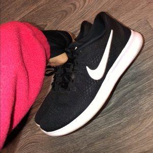Women's Nike Free Rn size 7